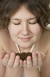 woman_smelling_coffee_smallest